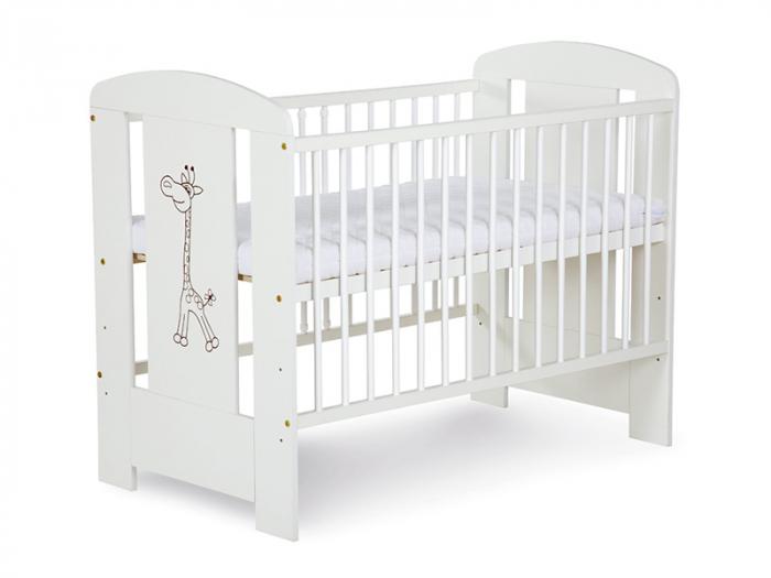 Set mobilier 3 piese Patut, Comoda si Saltea pentru camera copiilor si bebelusilor, Design Girafa, Culoare alb [1]