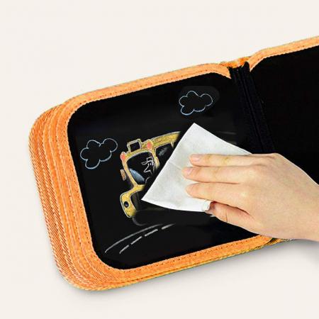 Carticica portabila cu 8 tablite Tumama®, pentru colorant si carioci, Transport, rosu5
