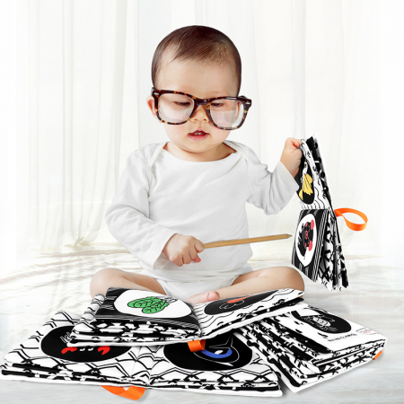 Set 4 Carti Fosnitoare, Educationale, pentru dentitia bebelusilor, Ilustratii Animale, Fructe, Legume, Animale Marine, + 3 luni, Tumama®, alb/negru [2]