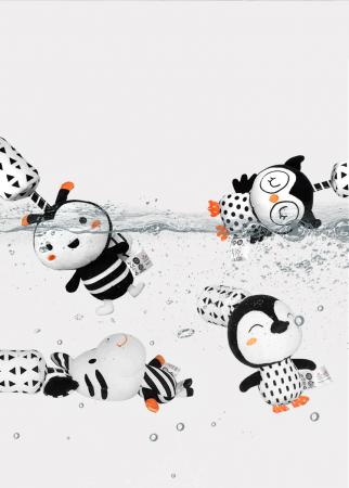 Set 4 jucarii interactive, zornaitoare, agatatoare, Design Animale, varsta +0 luni, Tumama®, alb/negru [9]