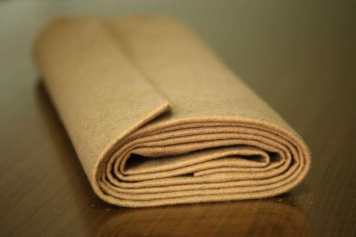 Fertu IDEA  (60% lana, 40% viscoza) 50cm x 140 cm latime- nisip 0