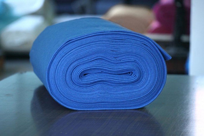 Fertu IDEA  (60% lana, 40% viscoza)   50cm x 140cm latime- albastru regal 0