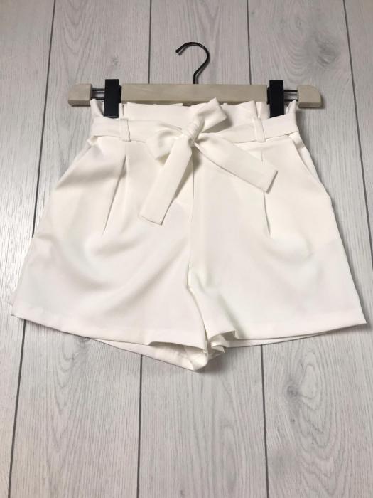 Pantaloni Scurți 0