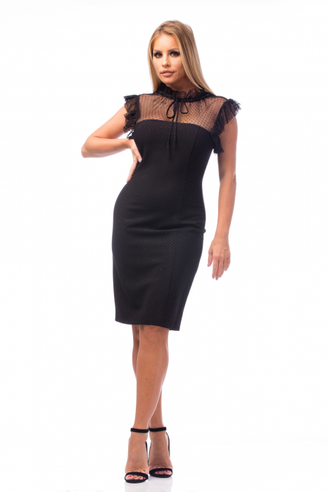 Rochie neagră cu decolteu dantelat 0