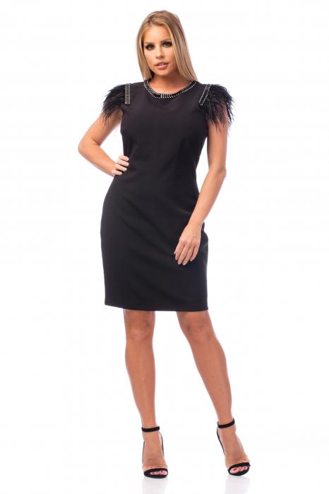 Rochie neagră cu strasuri și pene 0