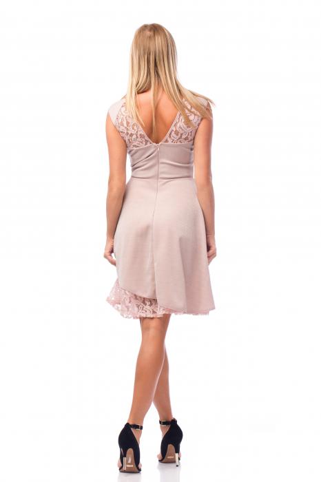 Rochie elegantă cu elemente din dantelă 3