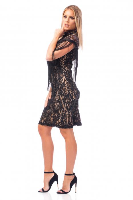 Rochie elegantă cu franjuri și decolteu dantelat 2