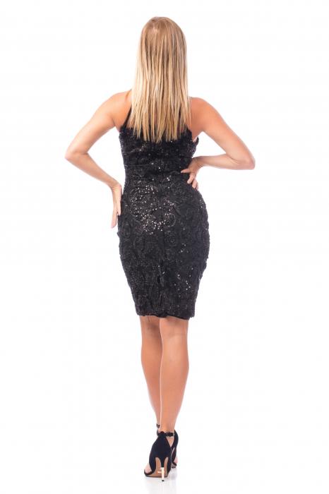 Rochie neagră cu decolteu dantelat 2
