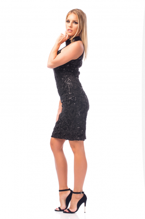 Rochie neagră cu decolteu dantelat 3