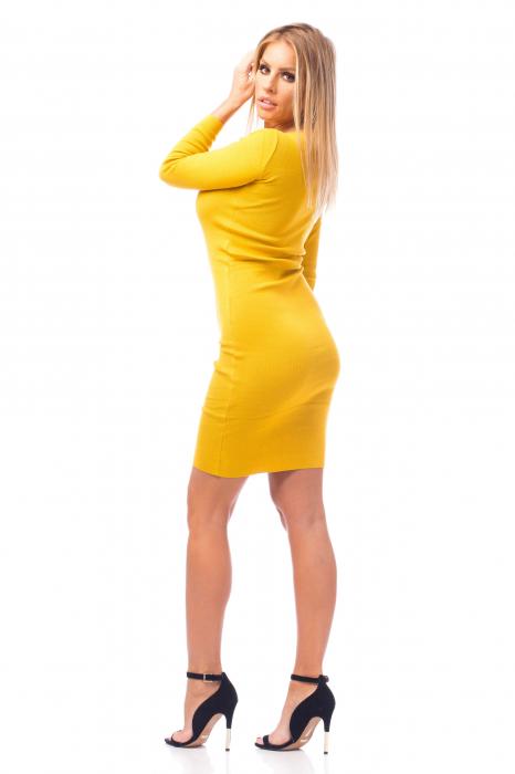 Rochie elegantă galbenă 2
