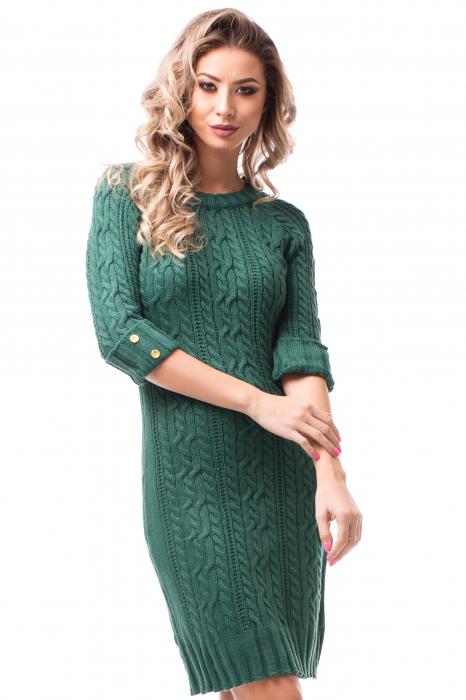 Rochie tricotată cu mâneci 3/4 și nasturi aurii 1