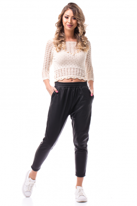 Pantaloni casual imitație piele 0