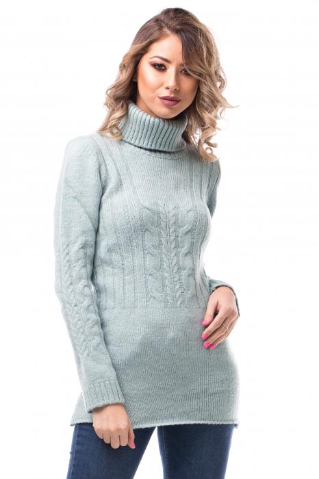 Pulover pe gât cu modele tricotate 0