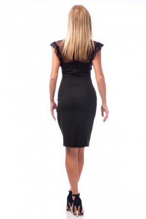 Rochie neagră cu decolteu dantelat1
