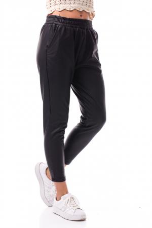 Pantaloni casual imitație piele1