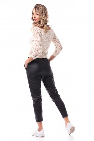 Pantaloni casual imitație piele3