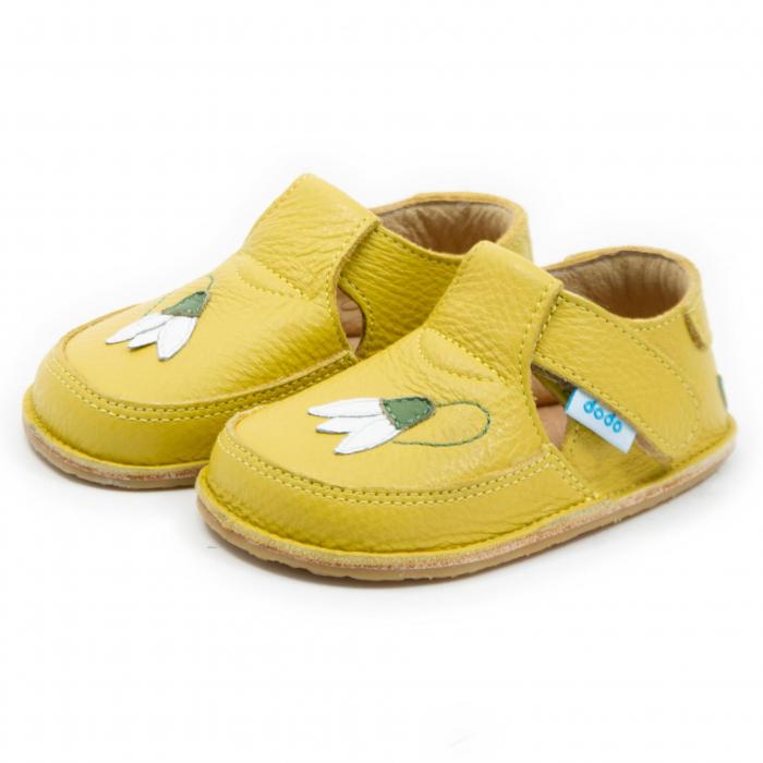 Pantofi galbeni cu ghiocel, Dodo Shoes 1