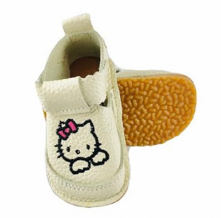 Pantofi crem cu Hello Kitty, Macco