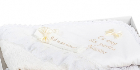 Set botez Jeans, compus din rochie, trusou brodat și lumânare2