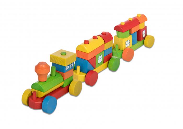 Trenulet din lemn colorat in curcubeu [1]