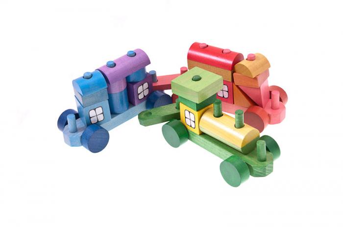 Trenulet colorat din cuburi 3