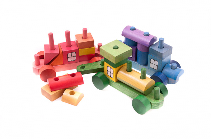Trenulet colorat din cuburi 4