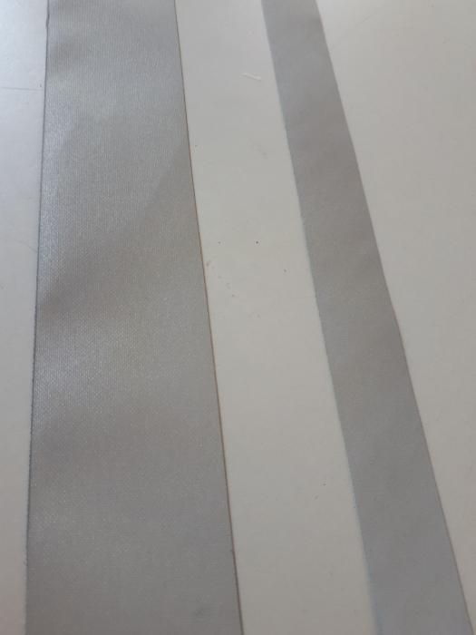 Banda argintiu reflectorizanta ignifuga >400 cd/lux 1