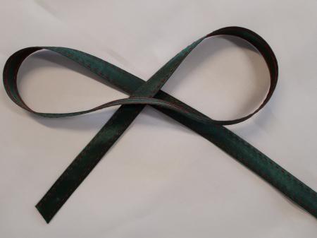 Banda verde cu cusatura decorativa manuala rosie, 14mm0