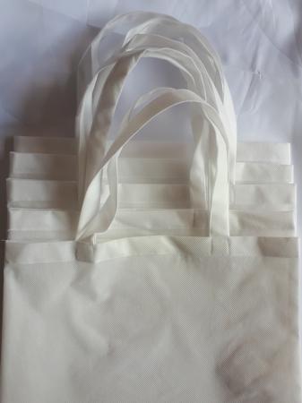 Sacosa din material netesut alb, 37 x 40 cm3