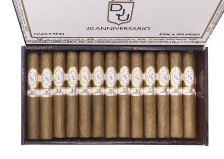 Don Juan Urquijo 20° Aniversario Robustos [2]