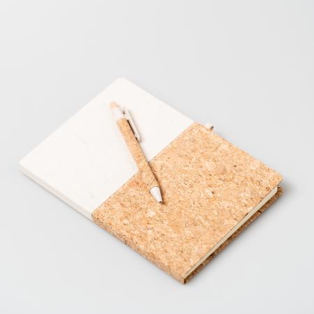 Agenda A5 PLUTO, 80 de pagini simple si coperta din pluta si bumbac,pix inclus [2]