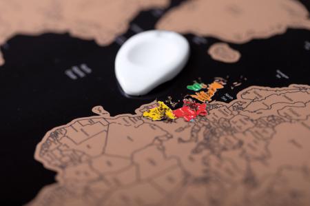Harta razuibila THE WORLD, 43 x 28.5 cm cu accesoriu de razuit [3]