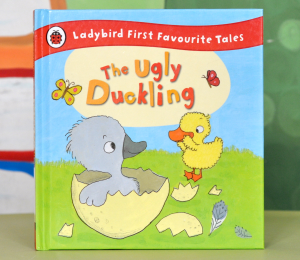 THE UGLY DUCKLING (LADYBIRD FIRST FAVOURITE TALES) 0