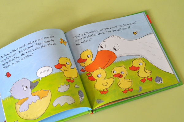 THE UGLY DUCKLING (LADYBIRD FIRST FAVOURITE TALES) 1