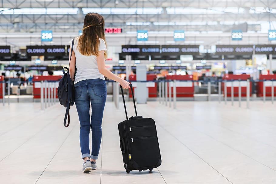 Sfaturi pentru o calatorie cu bagaje putine si tinute fashion
