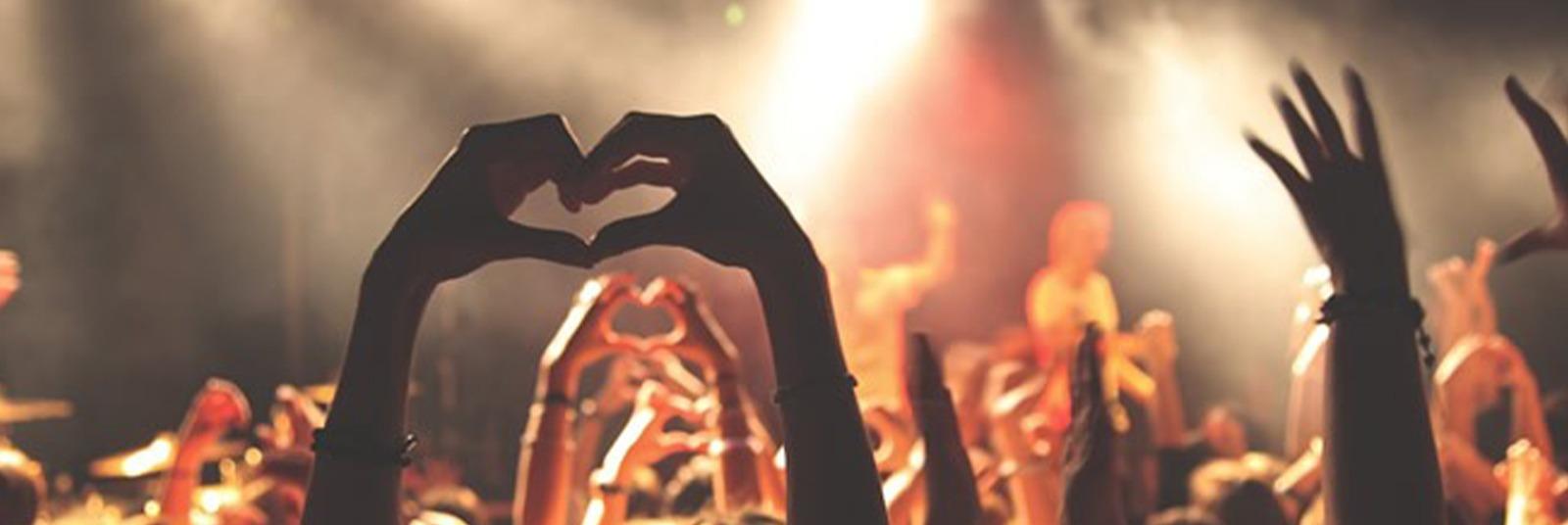 Cum sa te imbraci la un festival de muzica?