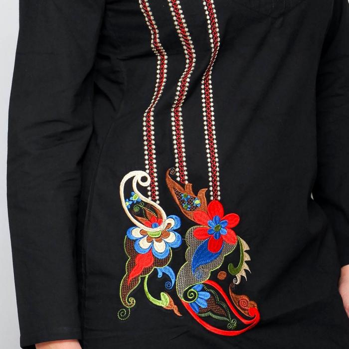 Rochie neagra cu broderie florala unicat 3