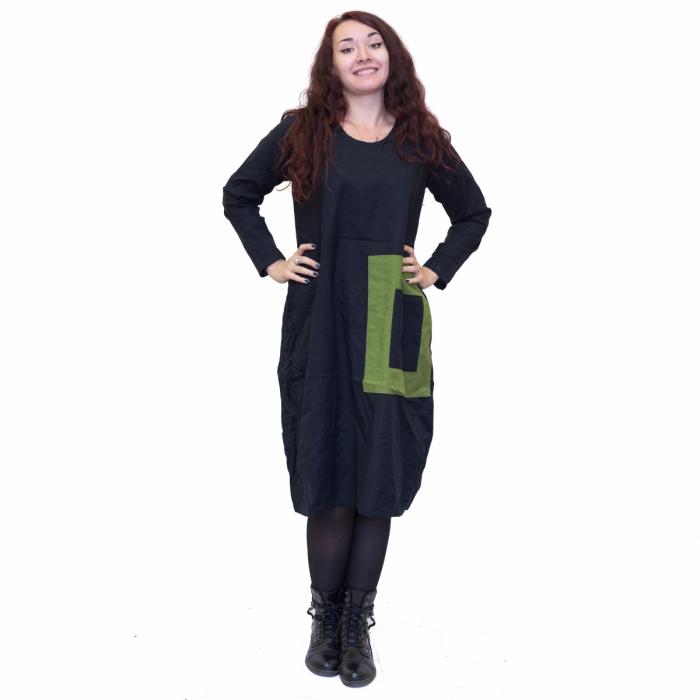 Rochie neagra cu patrat verde 0