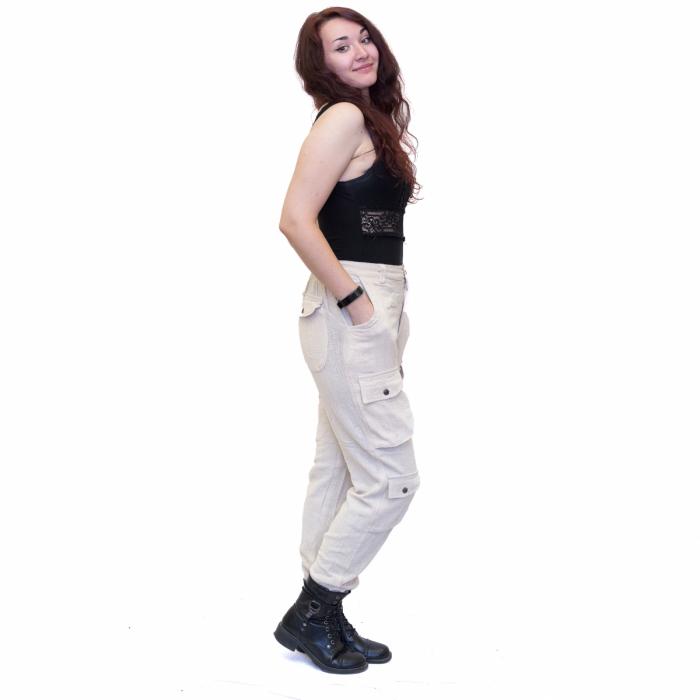 Pantaloni albi 1