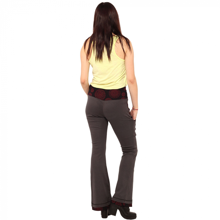 Pantaloni gri negru - Mandala rosie 3