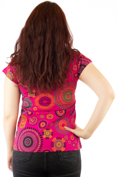 Tricou roz print all over cu broderie manuala 2