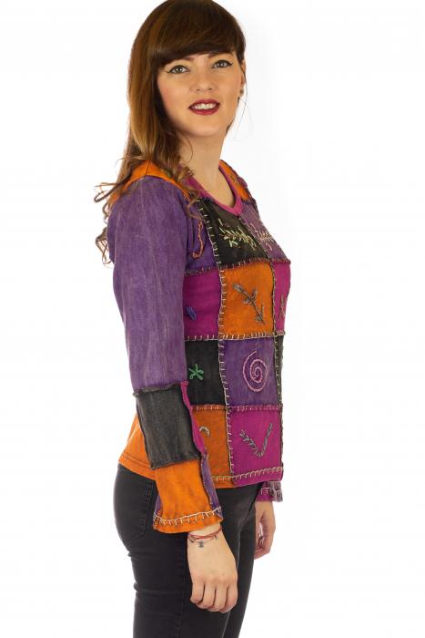 Bluza colorata cu patch-uri 4