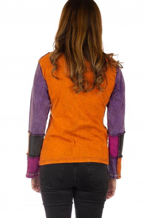 Bluza colorata cu patch-uri 5