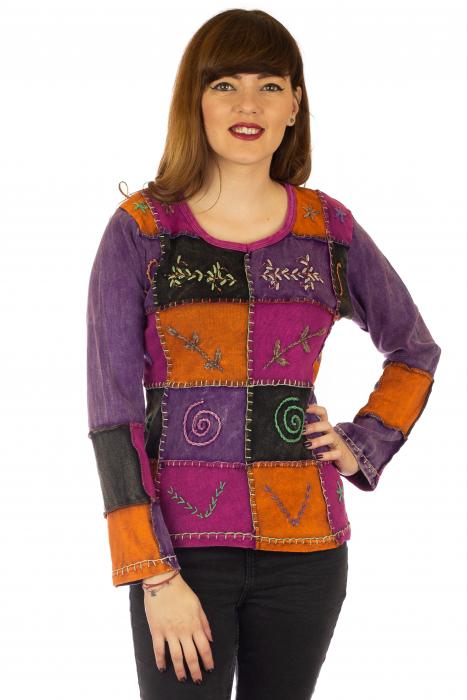 Bluza colorata cu patch-uri 0