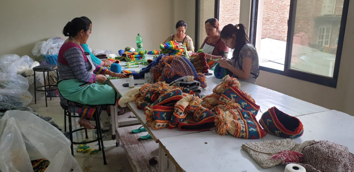 Caciula din lana copii - Rainbow patches 3