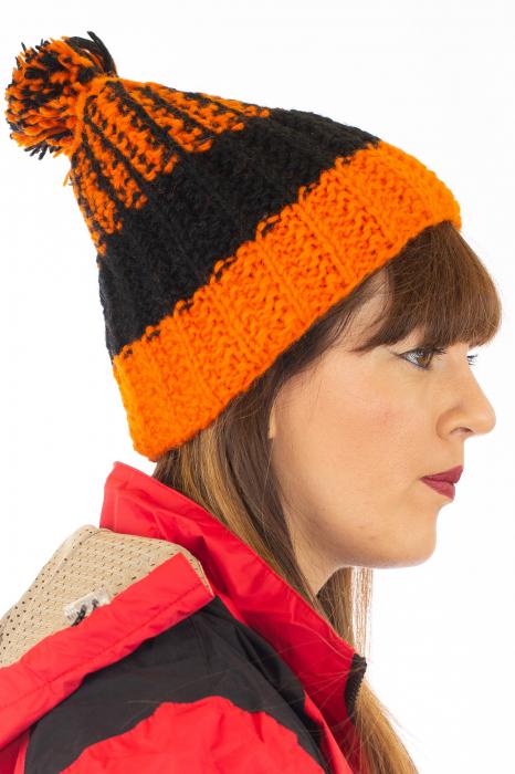 Caciula din lana - Orange and Black 2