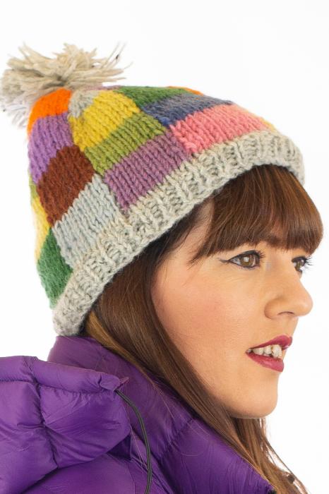 Caciula din lana - Rainbow patches 1