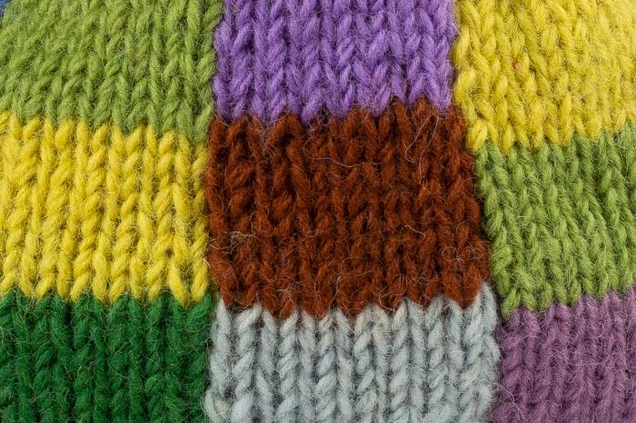 Caciula din lana - Rainbow patches 3