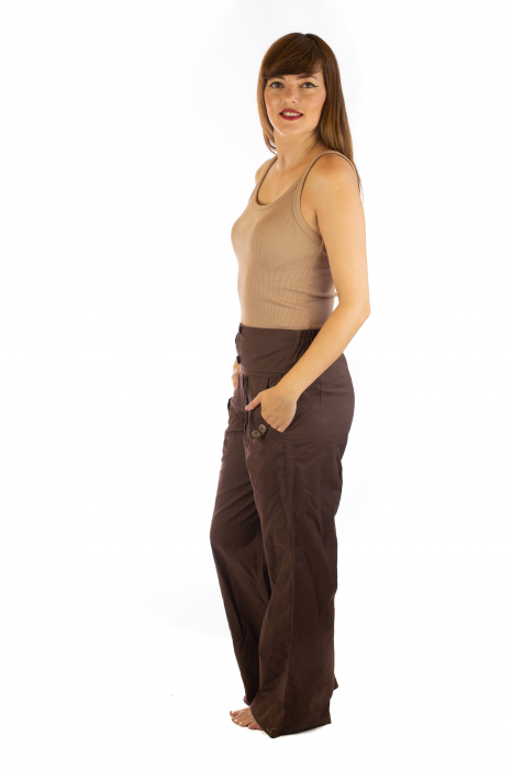 Pantaloni cu buzunare si nasturi - Maro 1