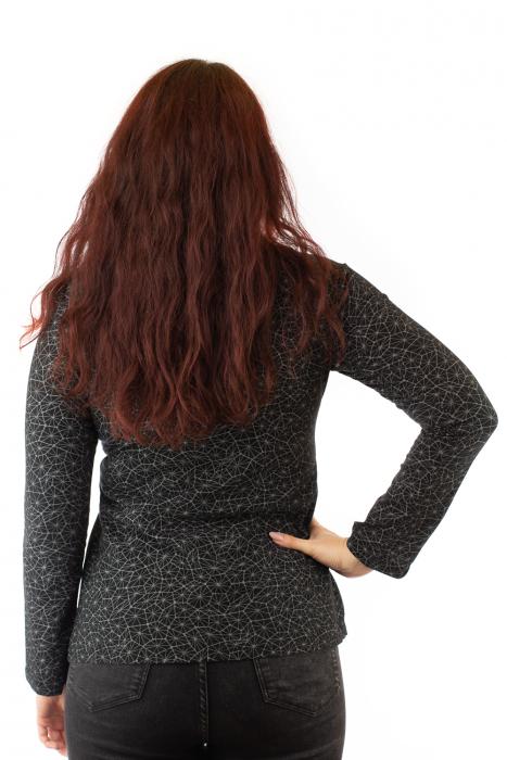 Bluza maneca lunga neagra cu mandale 2